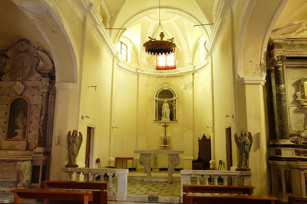 Interno della chiesa di San Giorgio. Ph. Credit Davide Papalini