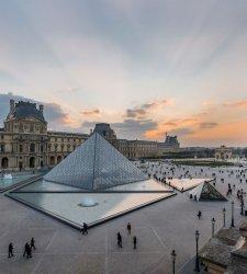 Il Louvre mette per la prima volta all'asta opere d'arte ed esperienze esclusive