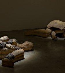 A Milano in mostra i Dormienti di Mimmo Paladino