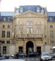 Francia, nuove regole per esportare beni culturali: forti incrementi alle soglie di valore