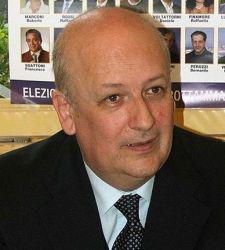 Viaggio nell'Italia della cultura al servizio della politica