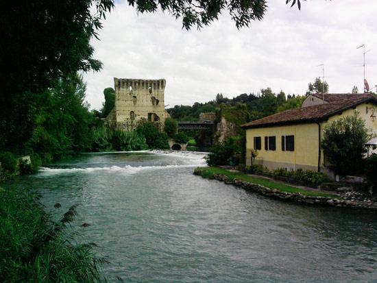 Il ponte visconteo di Borghetto