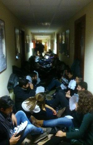 Il sit-in degli studenti all'Università di Foggia