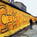 Quando Keith Haring dipingeva sul muro di Berlino