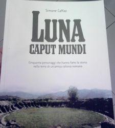Luna Caput Mundi di Simone Caffaz. Metti insieme Michelangelo, Canova, Berlusconi e Gigi Buffon...