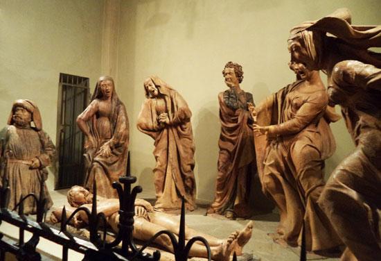 Il Compianto sul Cristo morto di Niccolò dell'Arca