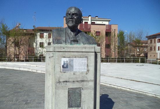 Il monumento a Lenin di Cavriago