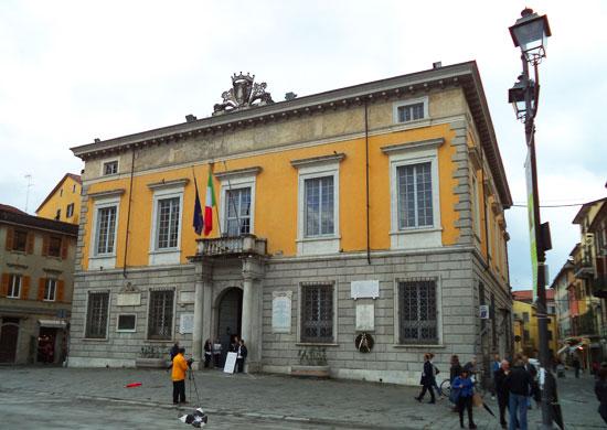 Sarzana, il Palazzo del Comune