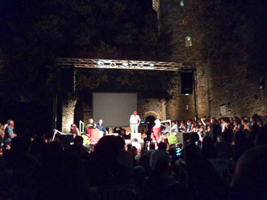 Il palco e il pubblico