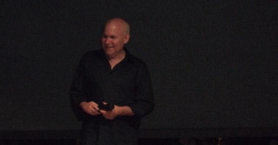 Steve McCurry durante una delle fasi del suo intervento a Castelnuovo Magra