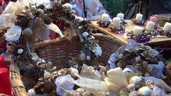 Oggetti in vendita al mercatino natalizio di Bolzano