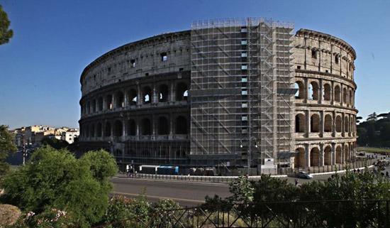 Foto restauro Colosseo