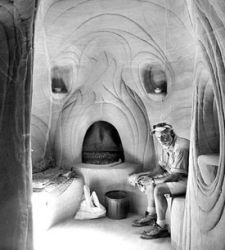 Ra Paulette, l'uomo che esprime la propria arte scavando le grotte