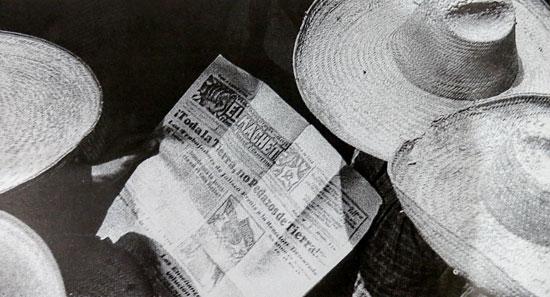 Tina Modotti, Campesinos leyendo el machete