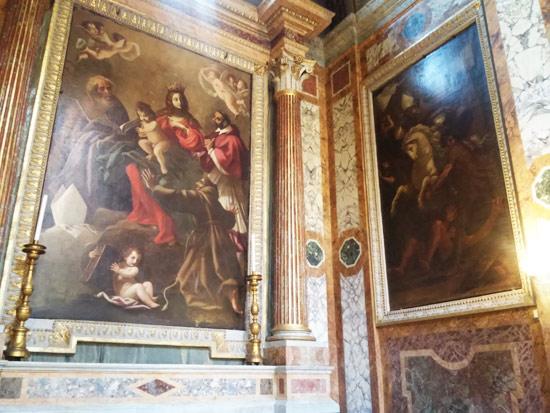 Dipinti di Giovanni Baglione: a sinistra, Madonna col Bambino e santi. A destra, sant'Ambrogio caccia gli ariani da Milano (1641)