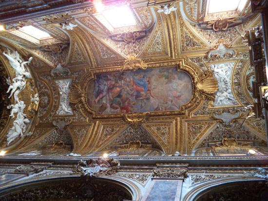La volta con l'Assunzione di Maria di Giacinto Calandrucci (1706)
