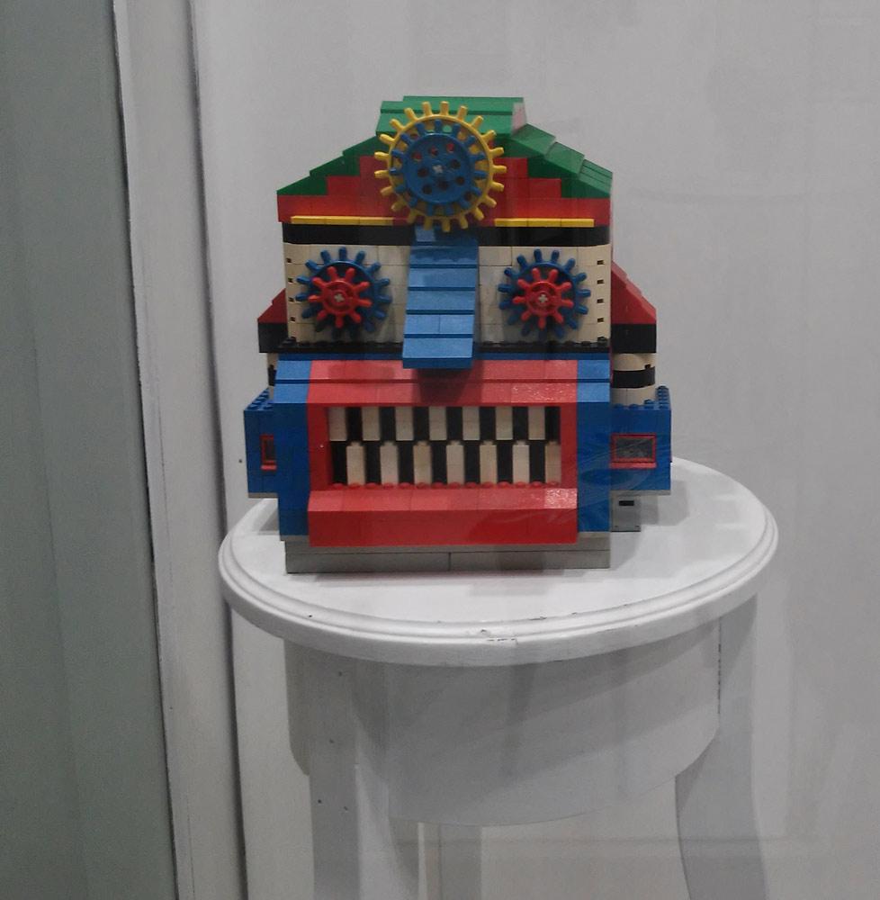"Prof. Bad Trip, ""Lego Robot"" (2004; mattoncini lego, 22x24x21 cm)"