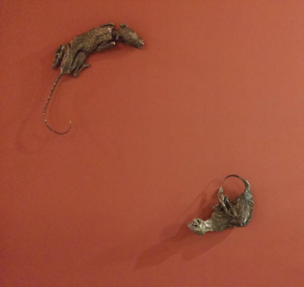 Daniel Spoerri, Il Gatto e la Volpe (fusione in bronzo)