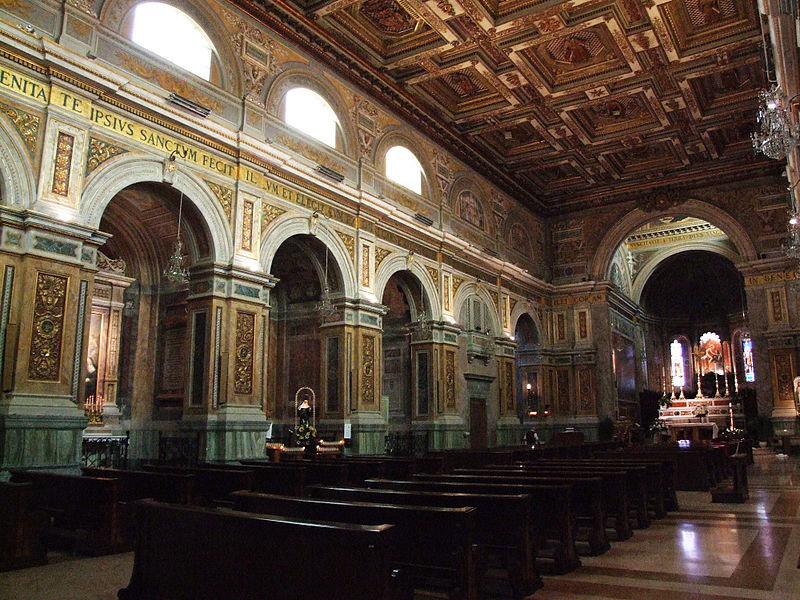 Interno della Basilica di San Nicola da Tolentino