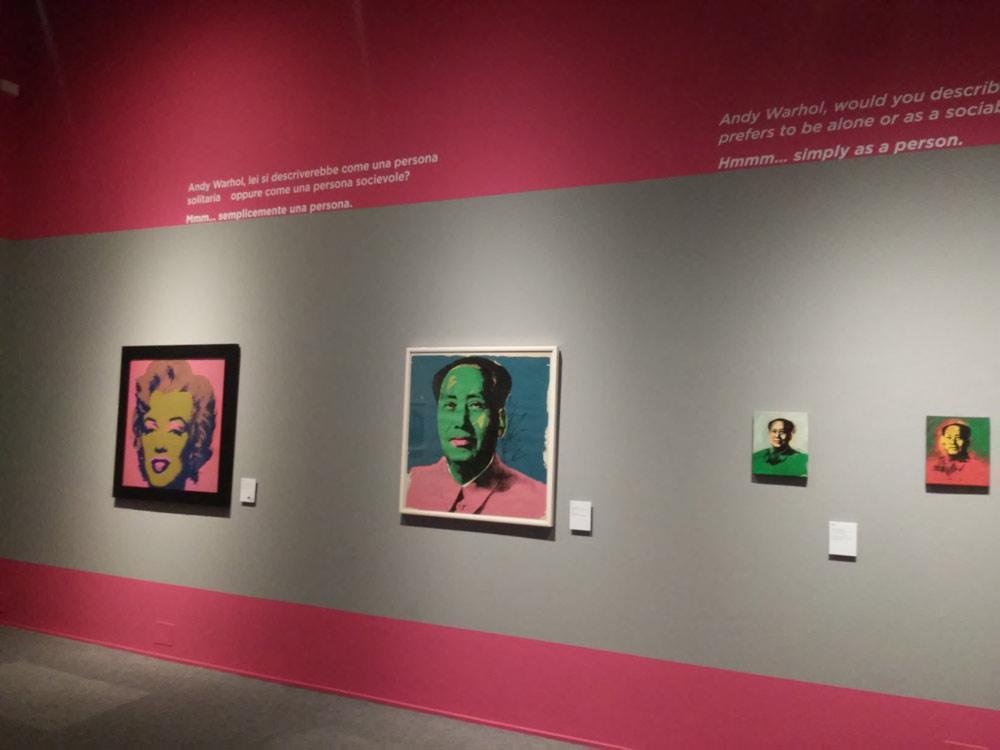 Le icone di Marilyn e Mao a inizio mostra