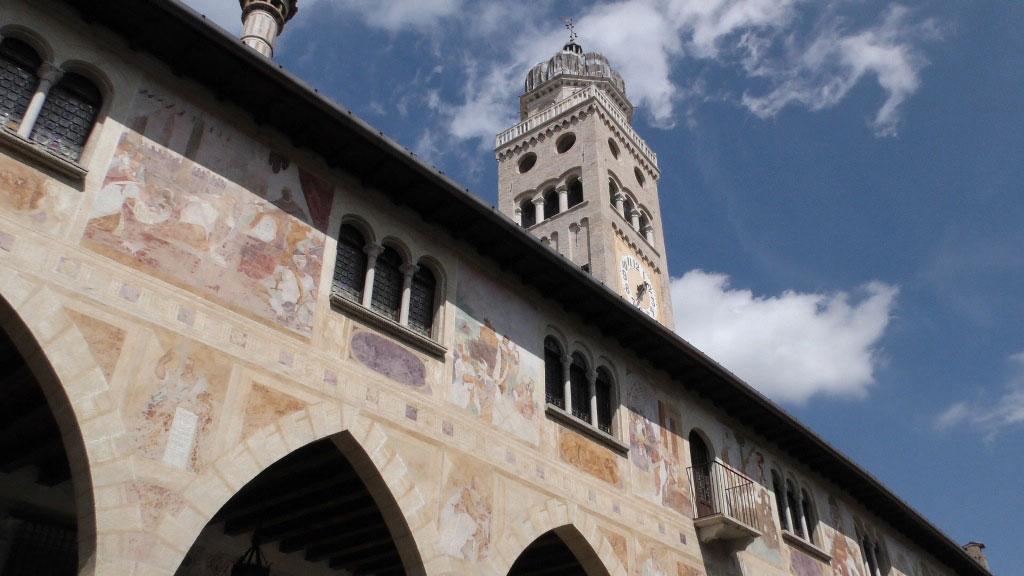 Il campanile e gli affreschi del Duomo di Conegliano