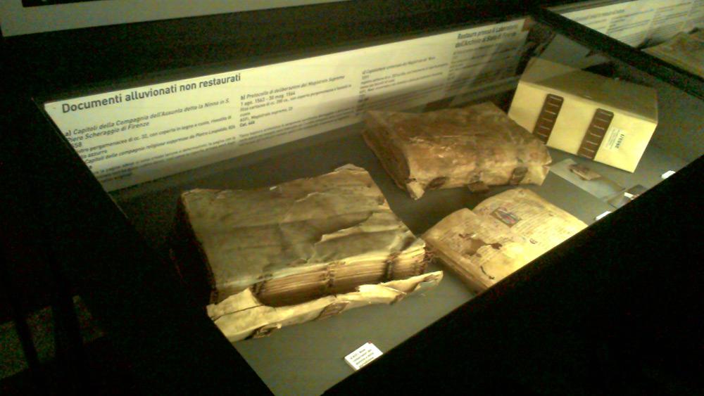 Documenti alluvionati ma non restaurati