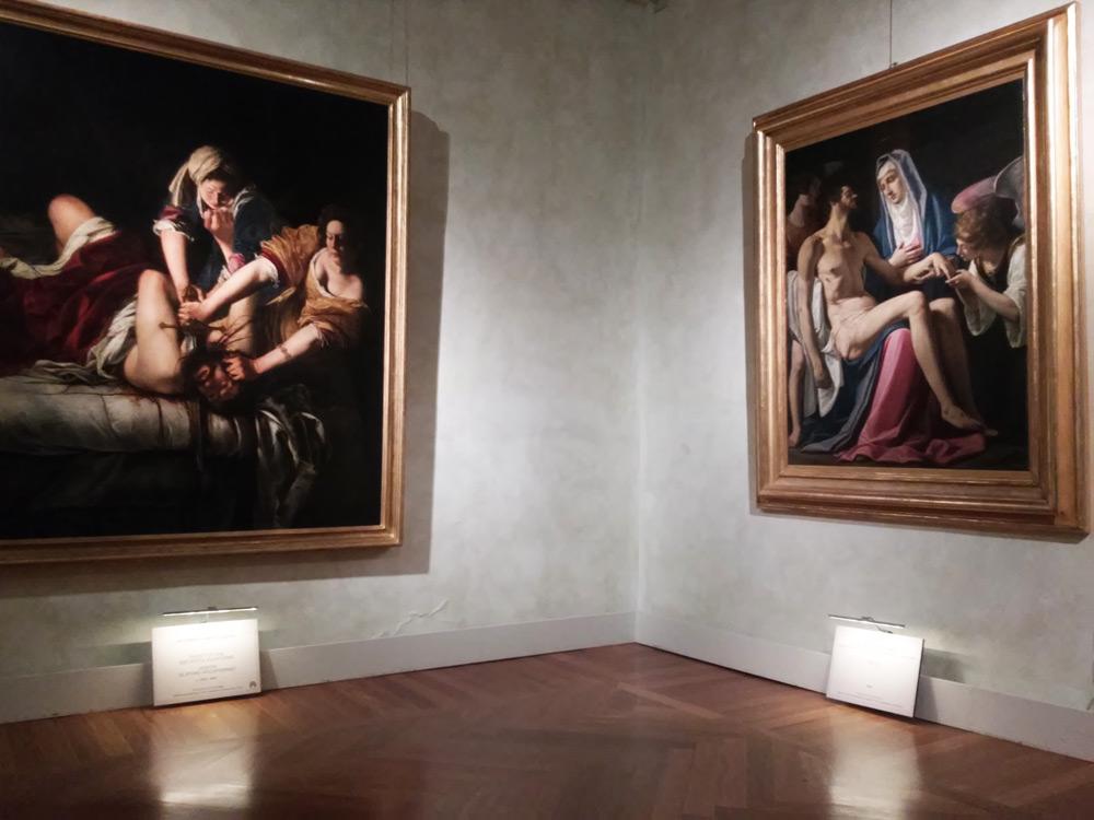 Sezione fiorentina: a sinistra la Giuditta di Artemisia (Uffizi) a destra la Pietà di Filippo Tarchiani