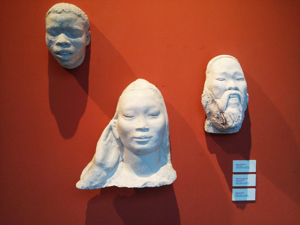 Arturo Dazzi, Testa di africano, Testa con copricapo a bocca chiusa e Testa di cinese