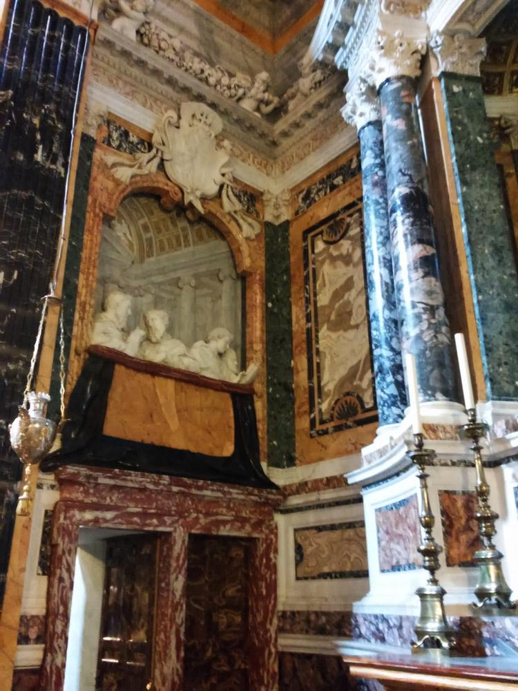 Il palchetto di sinistra nel contesto della cappella Cornaro