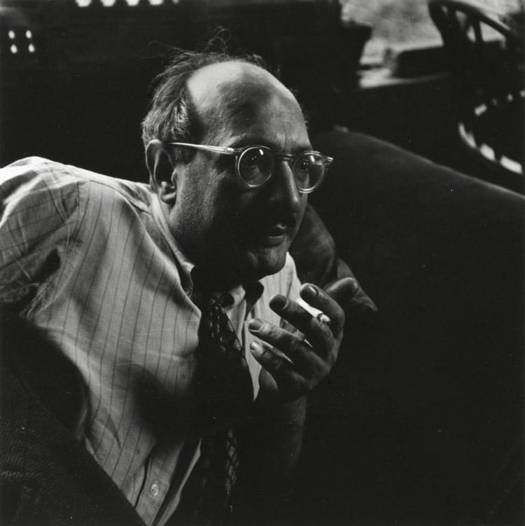 Mark Rothko fotografato da Consuelo Kanaga nel 1949