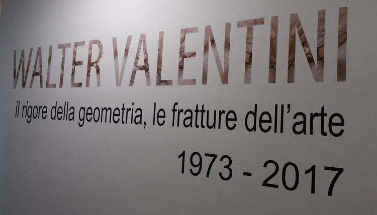 Ingresso alla mostra di Walter Valentini al CAMeC