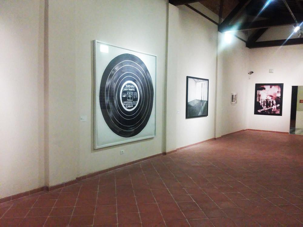 Le immagini reinventate: una sala della mostra