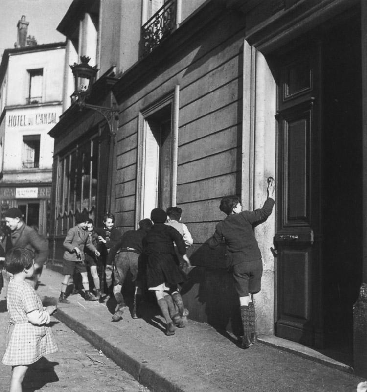 Robert Doisneau, La sonnette