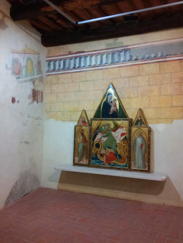Ambrogio Lorenzetti, Trittico di Badia a Rofeno nella sua sala al Museo di Asciano