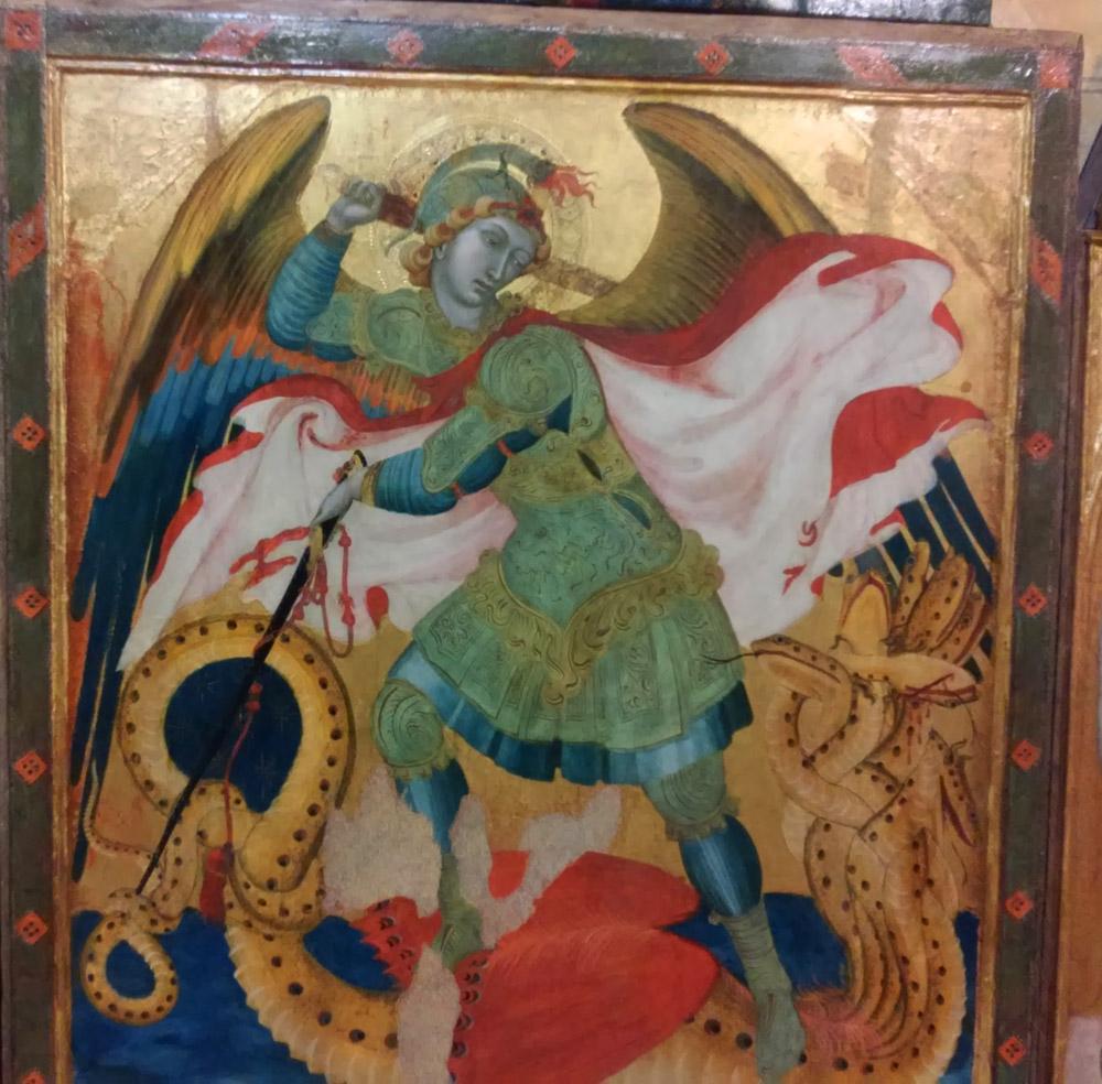 Ambrogio Lorenzetti, Trittico di Badia a Rofeno, dettaglio del san Michele che lotta contro il diavolo