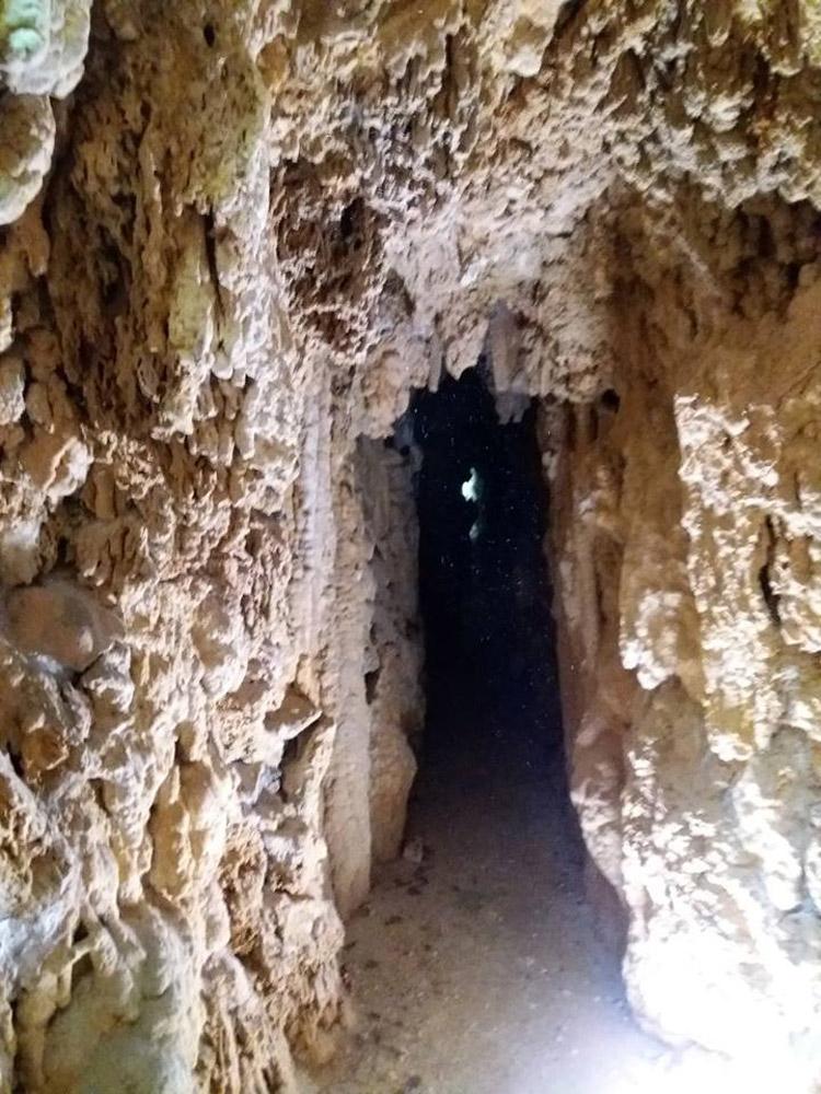 Atto III (la catarsi), Scena I: le grotte/inferno dantesco
