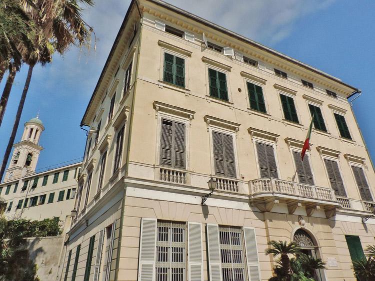 La facciata principale di Villa Durazzo-Pallavicini