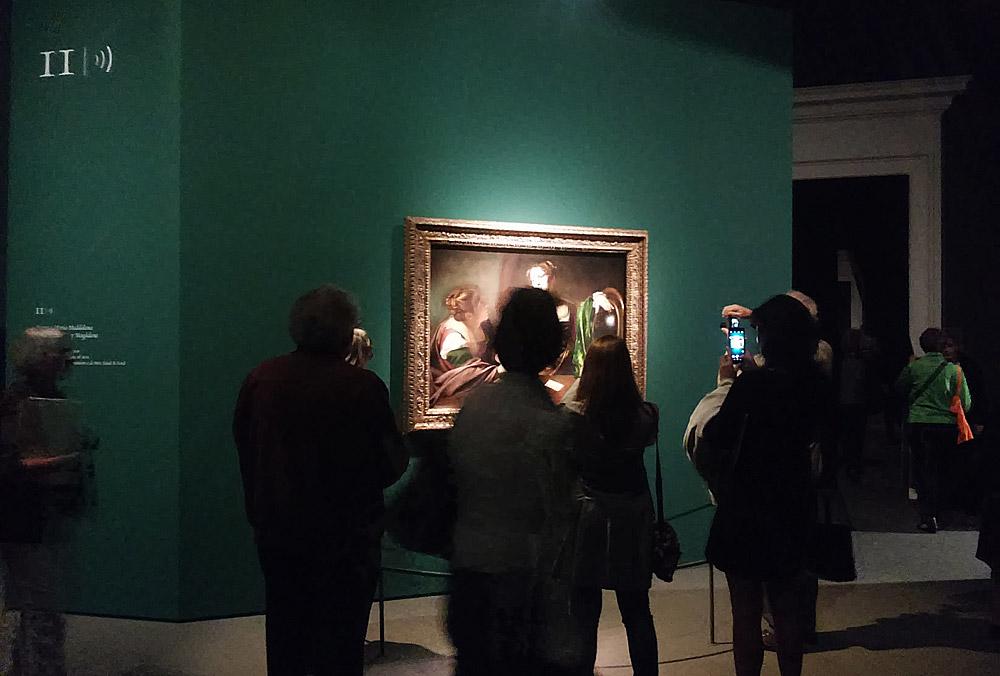 Sala alla mostra Dentro Caravaggio a Milano