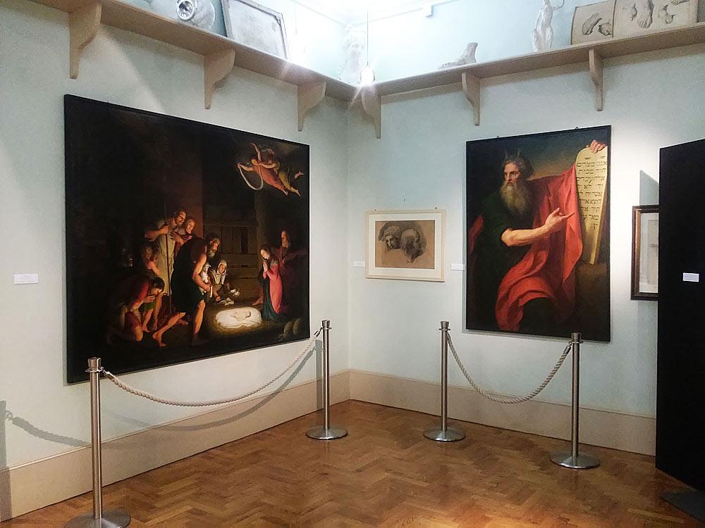 """Una sala della mostra """"Giuseppe Diotti. Un protagonista dell"""
