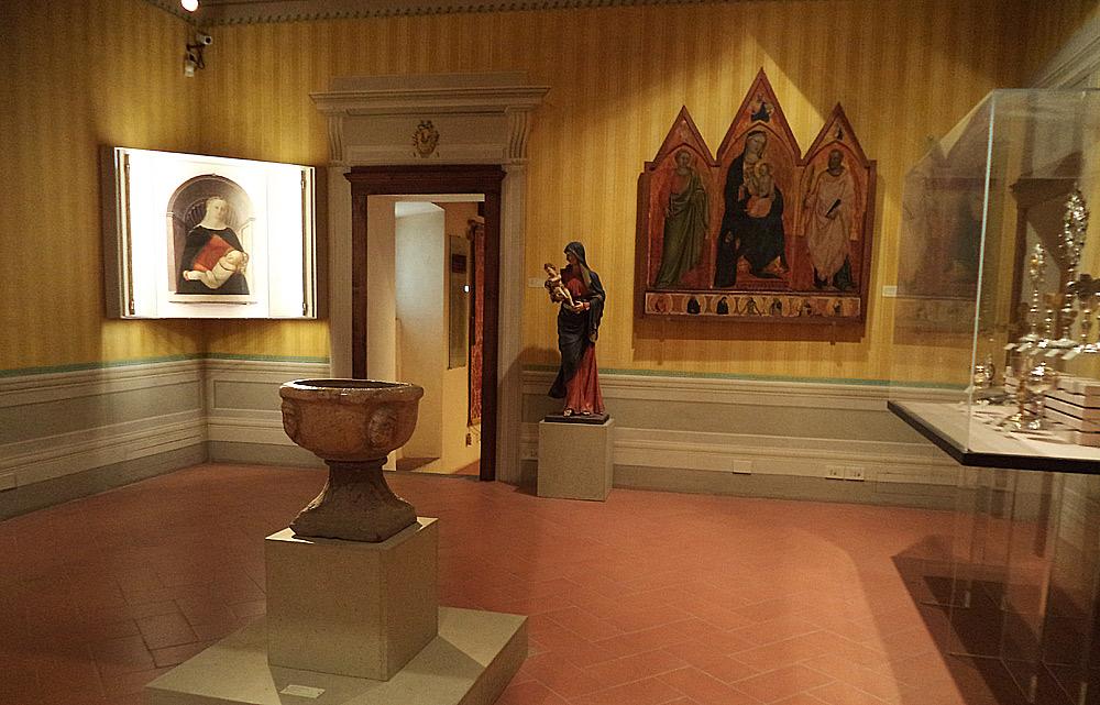 La sala del Museo d'Arte Sacra di Montespertoli che ospita l'opera di Filippo Lippi