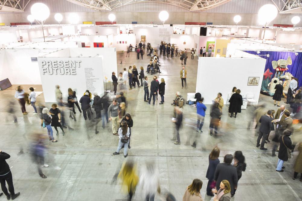 Un'Artissima come non s'era mai vista: a Torino via alla più grande fiera d'arte contemporanea d'Italia
