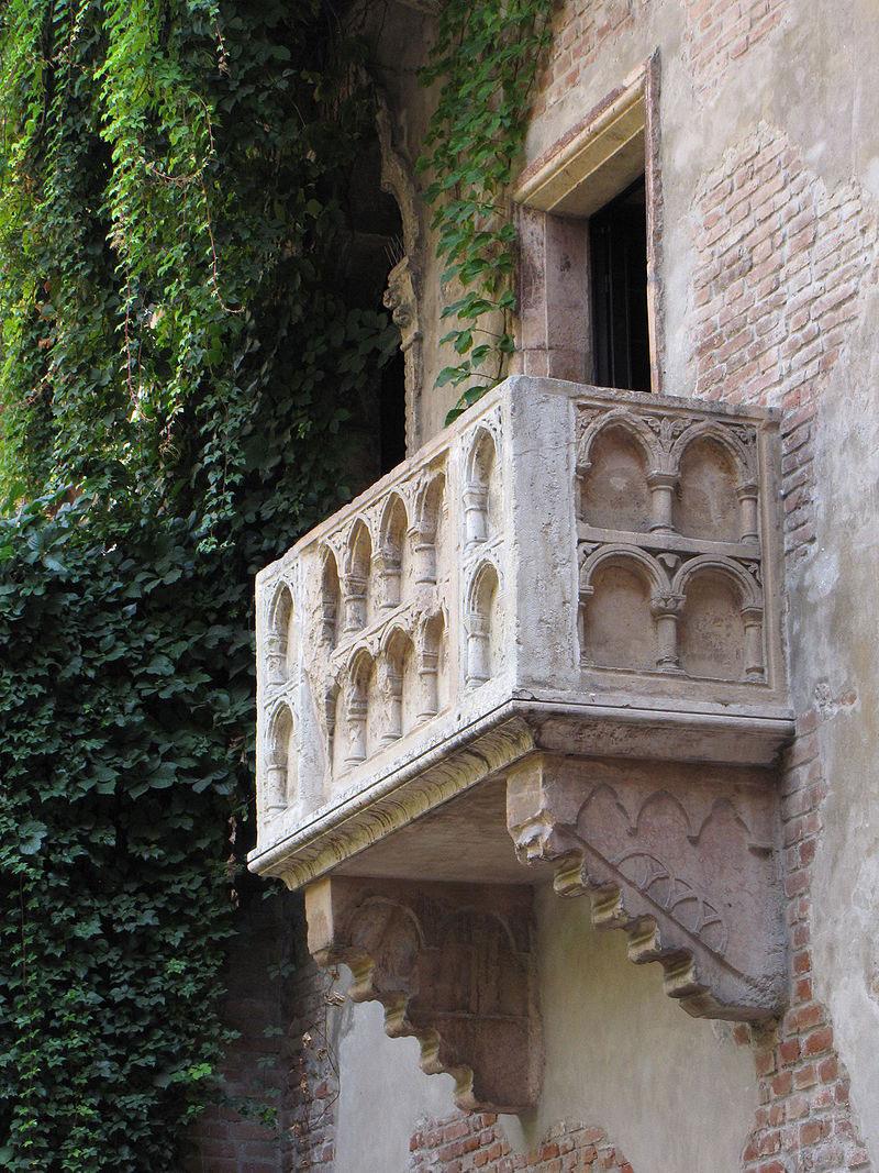 Iniziata la fase operativa dei lavori di restauro al balcone di Giulietta