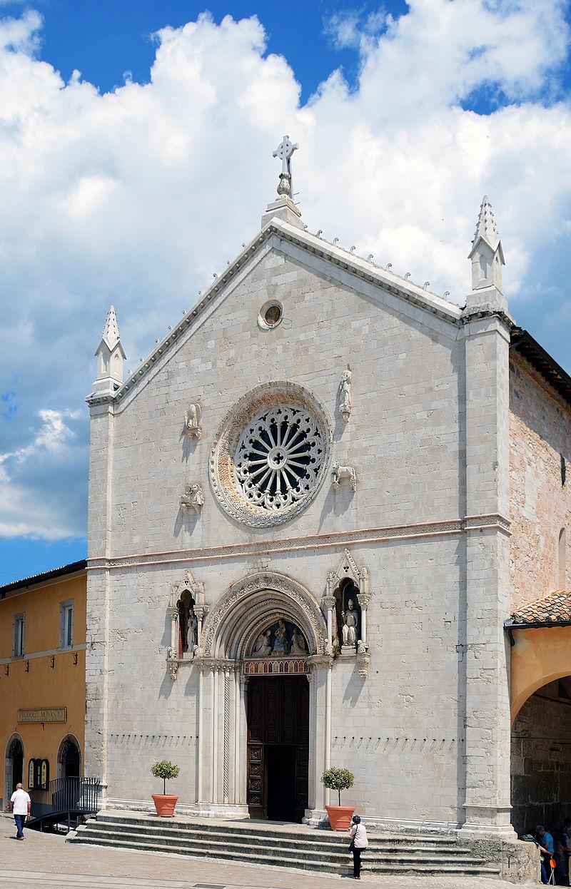 Tre metri di macerie nella Basilica di San Benedetto a Norcia ancora da rimuovere