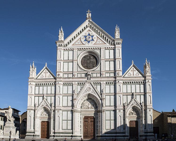 Firenze, acqua su marciapiedi e gradinate chiese contro i bivacchi
