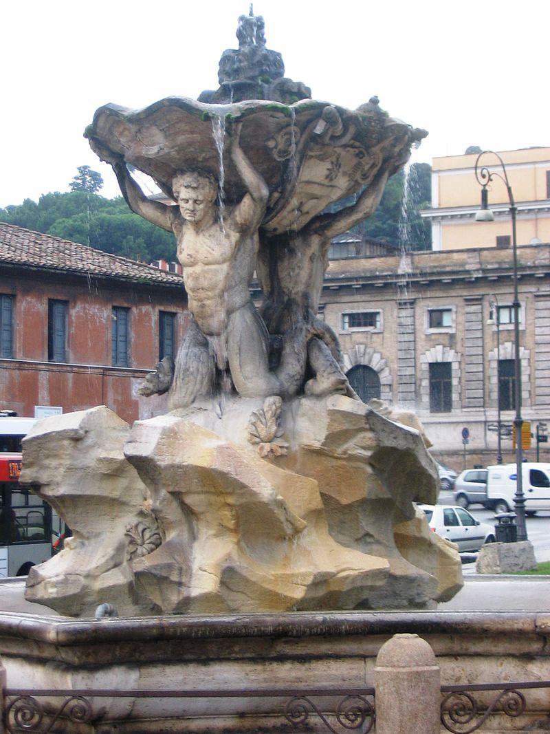 Vandalismo contro la Fontana dei Tritoni di Roma
