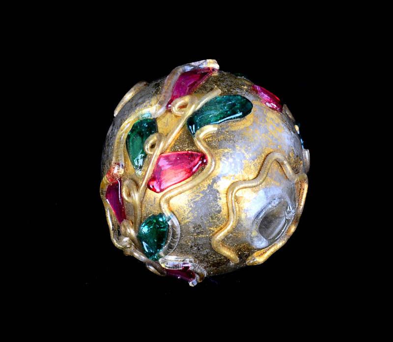 Al Museo del Vetro di Murano in mostra il mondo delle perle di vetro