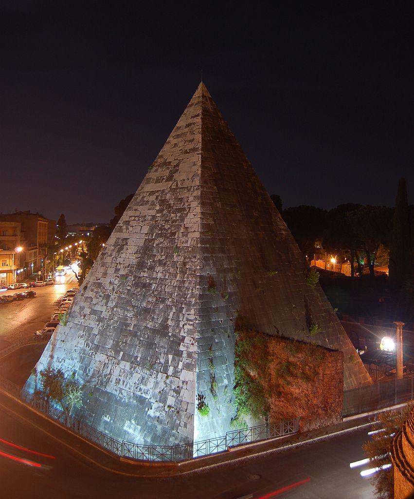 Nuove luci illumineranno i monumenti di Roma