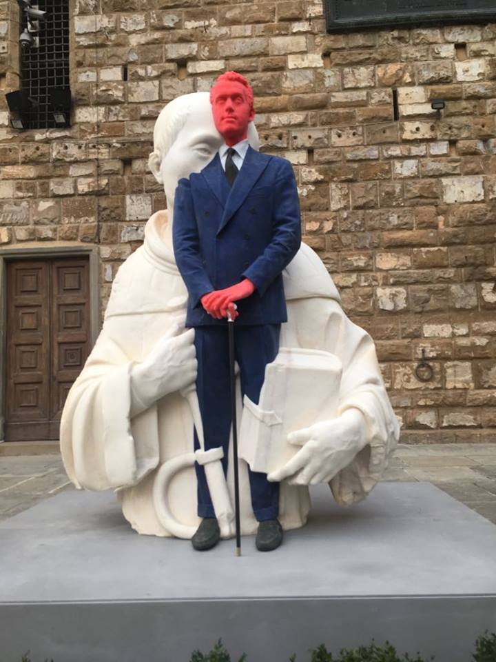 Firenze: crolla una delle statue di cera di Urs Fischer