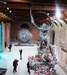 Grande Damien Hirst: col tuo show a Venezia, ci hai preso in giro tutti