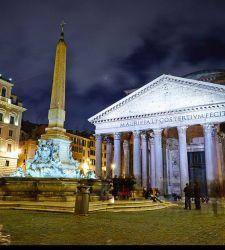 Roma, atti vandalici al Pantheon: danneggiati candelabri settecenteschi